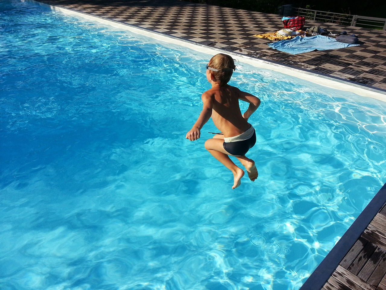 Investir dans une piscine pour augmenter la plus-value de sa maison