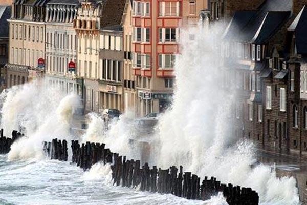 Plage du Sillon - Saint Malo Tempête
